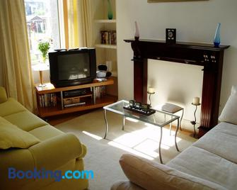 Welbeck Apartments - Troon - Living room