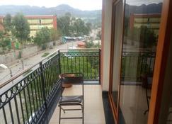 Honey Land Hotel Lalibela - Lalībela - Balcony