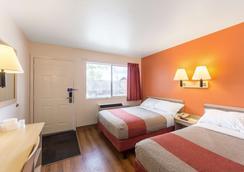 Motel 6 Klamath Falls - Klamath Falls - Bedroom