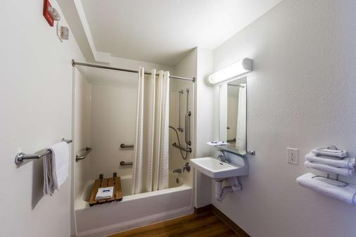 Motel 6 Klamath Falls - Klamath Falls - Bathroom