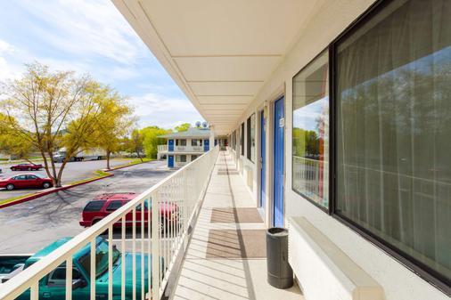 Motel 6 Klamath Falls - Klamath Falls - Ban công