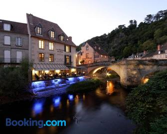 Les Maisons du Pont - Aubusson - Gebouw