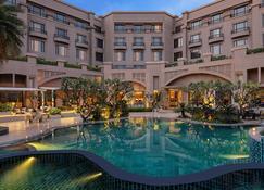 Radisson Blu Plaza Delhi - New Delhi - Pool