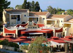 Mediterranean Blue - Kavos - Bygning