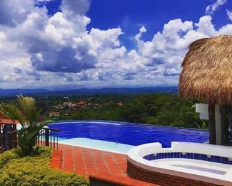 Hacienda Combia - Calarcá - Pool