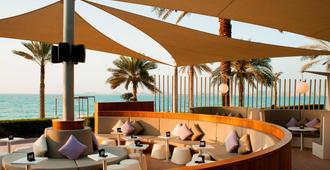 Sheraton Jumeirah Beach Resort - Dubái - Patio