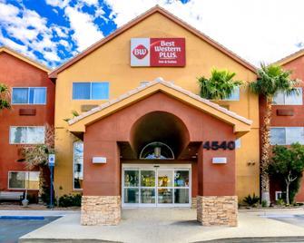 Best Western Plus North Las Vegas Inn & Suites - North Las Vegas - Building