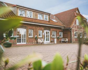 Hotel Auszeit - Isernhagen - Building