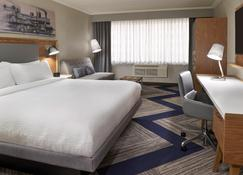 Four Points by Sheraton Windsor Downtown - Windsor - Bedroom