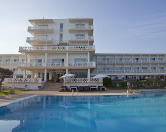 Hotel Santo Tomas - Es Migjorn Gran - Building