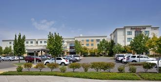 Residence Inn Portland Airport At Cascade Station - Portland - Building