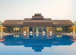 Meghauli Serai, A Taj Safari Lodge - Meghauli - Pool