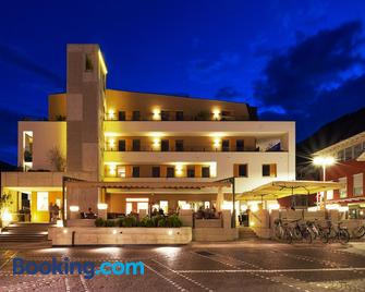 Hotel Kreuzwirt - Naturno - Building