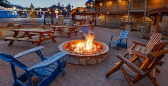 Hotel Becket - South Lake Tahoe - Patio