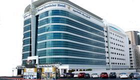 Grand Excelsior Hotel - Bur Dubai - Dubái - Edificio