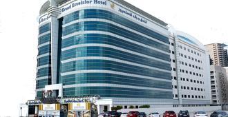 Grand Excelsior Hotel - Bur Dubai - Dubai - Building