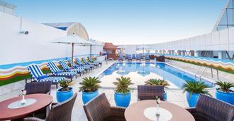 Grand Excelsior Hotel - Bur Dubai - Dubai - Piscina