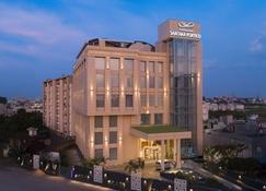Singhania Sarovar Portico - Raipur - Building