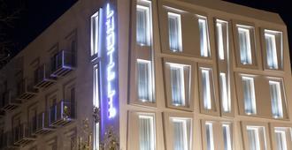 L'Hotel - Rímini - Edificio