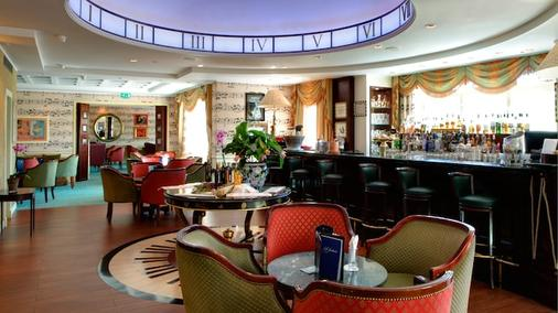 Disneyland Hotel - Chessy - Bar