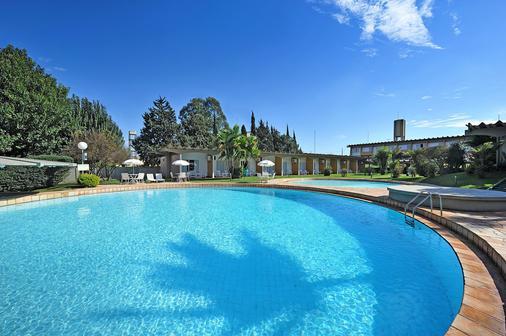 Hotel Deville Express Cascavel - Cascavel - Pool