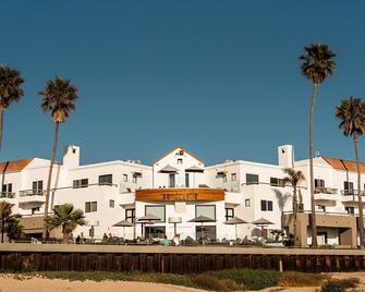 Sandcastle Hotel On The Beach - Pismo Beach - Building