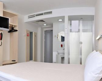 Hello Hotels Gara De Nord - Bucureşti - Bedroom