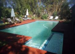 Gloria's Bed And Breakfast - Livingstone - Piscina