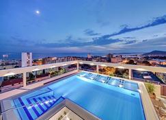 迪歐克茨贊公寓 - 斯普利特 - 斯普利特 - 游泳池
