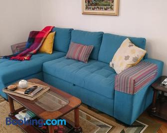 Vila Pragelas - Santa Cruz (Madeira) - Living room