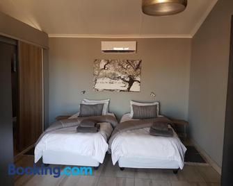 Jansen Kalahari Guest Farm - Hoachanas - Bedroom