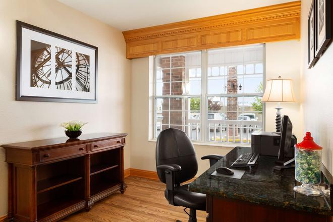 Country Inn & Suites by Radisson, Kenosha, WI - Kenosha - Business center