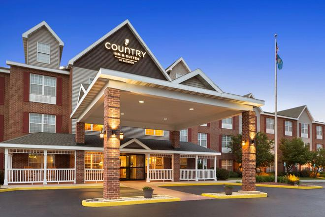 Country Inn & Suites by Radisson, Kenosha, WI - Kenosha - Building