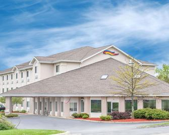 Baymont by Wyndham Freeport - Freeport - Building