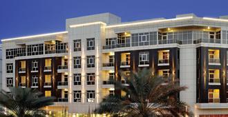 TIME Grand Plaza Hotel - דובאי