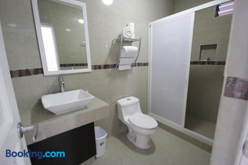 Hotel Splash Inn Nuevo Vallarta - Nuevo Vallarta - Bathroom