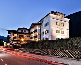 Hotel Rose - Mayrhofen - Building