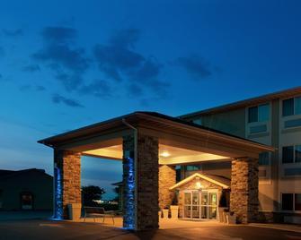 Holiday Inn Express Tuscola - Tuscola - Building