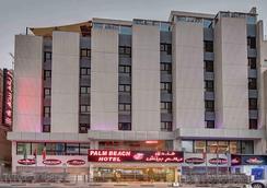 Palm Beach Hotel - Dubai