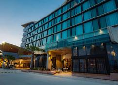 Eatons Hill Hotel - Brisbane - Building