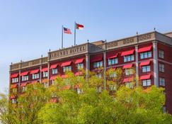 O.Henry Hotel - Greensboro - Building
