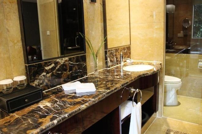 Deefly Zhejiang Hotel - Hangzhou - Bathroom