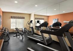 Country Inn & Suites by Radisson, Toledo, OH - Maumee - Kuntosali