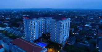 The Alana Malioboro Hotel & Conference Center - Yogyakarta - Building