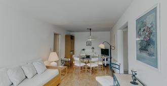 Apartamento En Playa Brava - Costa De Marfil - Punta del Este - Living room