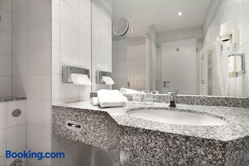 Sorat Hotel Cottbus - Cottbus - Bathroom