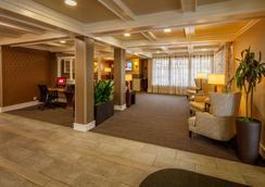 โรงแรมเรดไลอ้อน เบลล์วิว - เบลล์วิว - ล็อบบี้