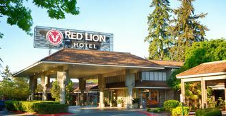 Red Lion Hotel Bellevue - Bellevue - Toà nhà