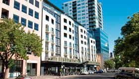 Mantra Hindmarsh Square - Adelaide - Building