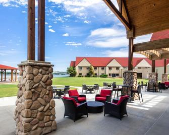 Arrowwood Resort at Cedar Shore - Oacoma - Terasa